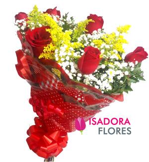 1364 Buquê com rosas vermelhas