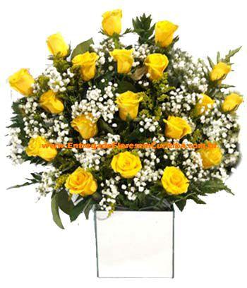 1884 Arranjo com 18 rosas amarelas