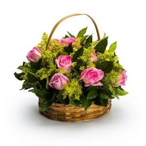 2423 Cesta com 12 rosas tons rosados