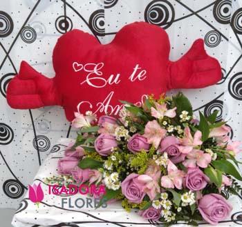 3450 Buquê Rosas e Astromélias + Coração