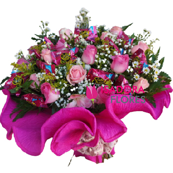 4566 Buquê para Debutante ♥ 15 Rosas e Bombons