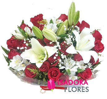 5601 Buquê com Rosas e Lírios